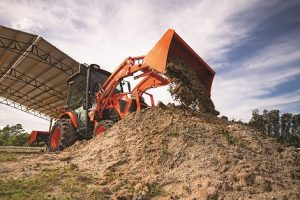 Kubota LX3310 Tractor with Loader