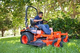 Kubota Z700 Series Commercial Zero-Turn Mower